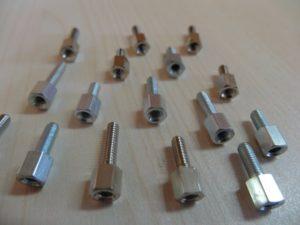 Entretoise métallique SUB-D